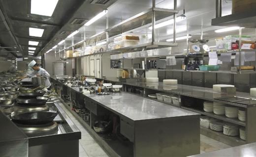 校园食堂后厨也开始直播了